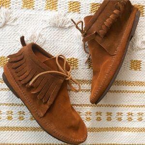 Minnetonka classic fringe suede boot bootie - 7